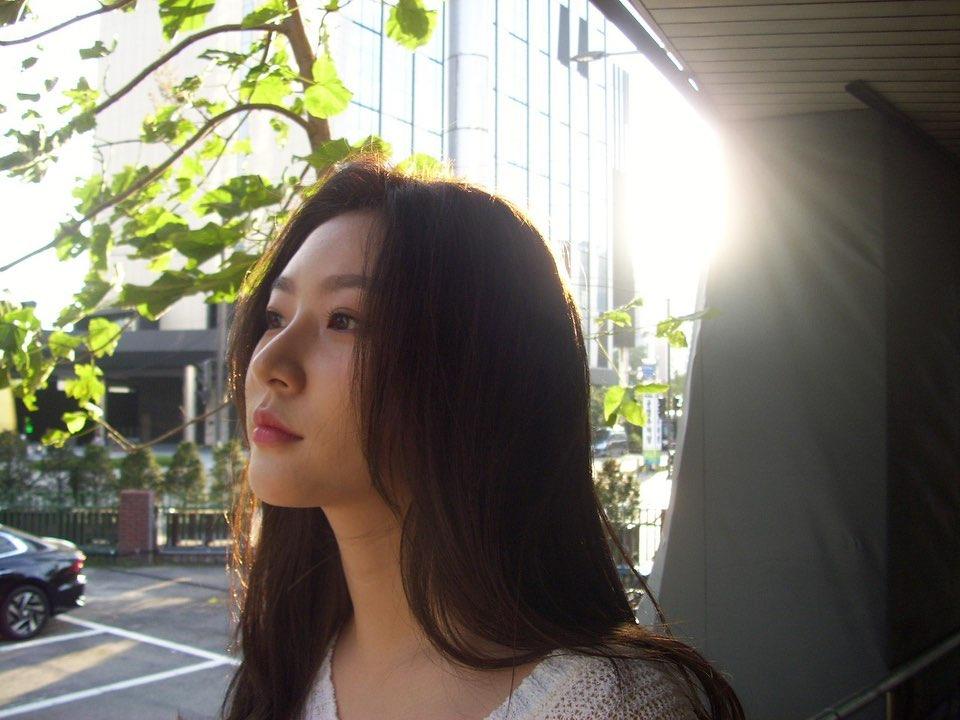 韓国 ロングにおすすめの前髪1