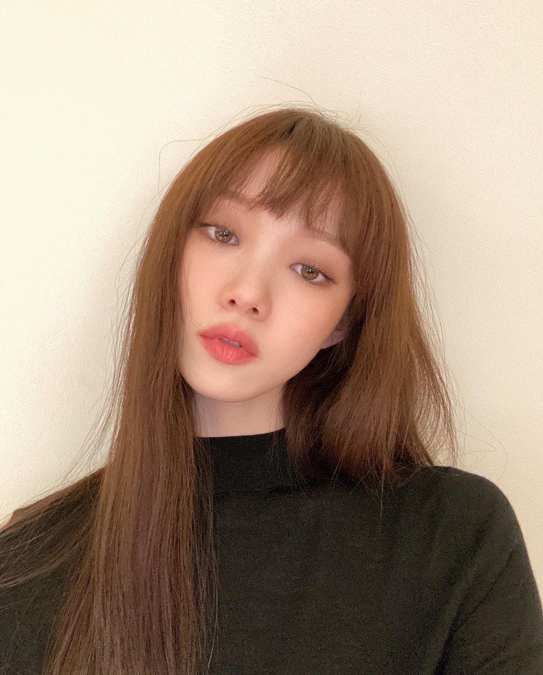 韓国 ストレートにおすすめの前髪2