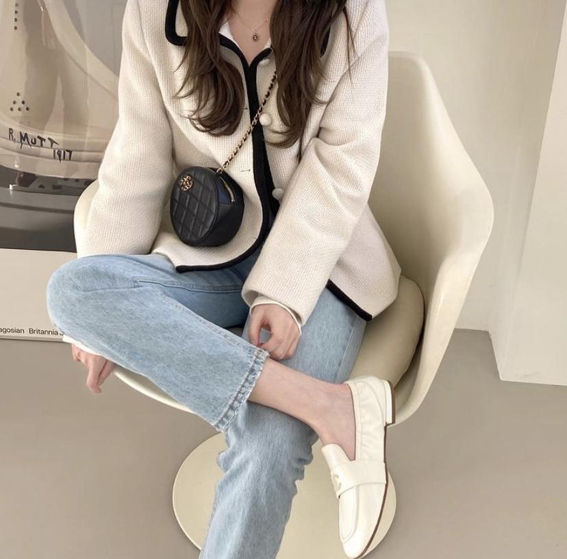 韓国の白色ローファーファッション