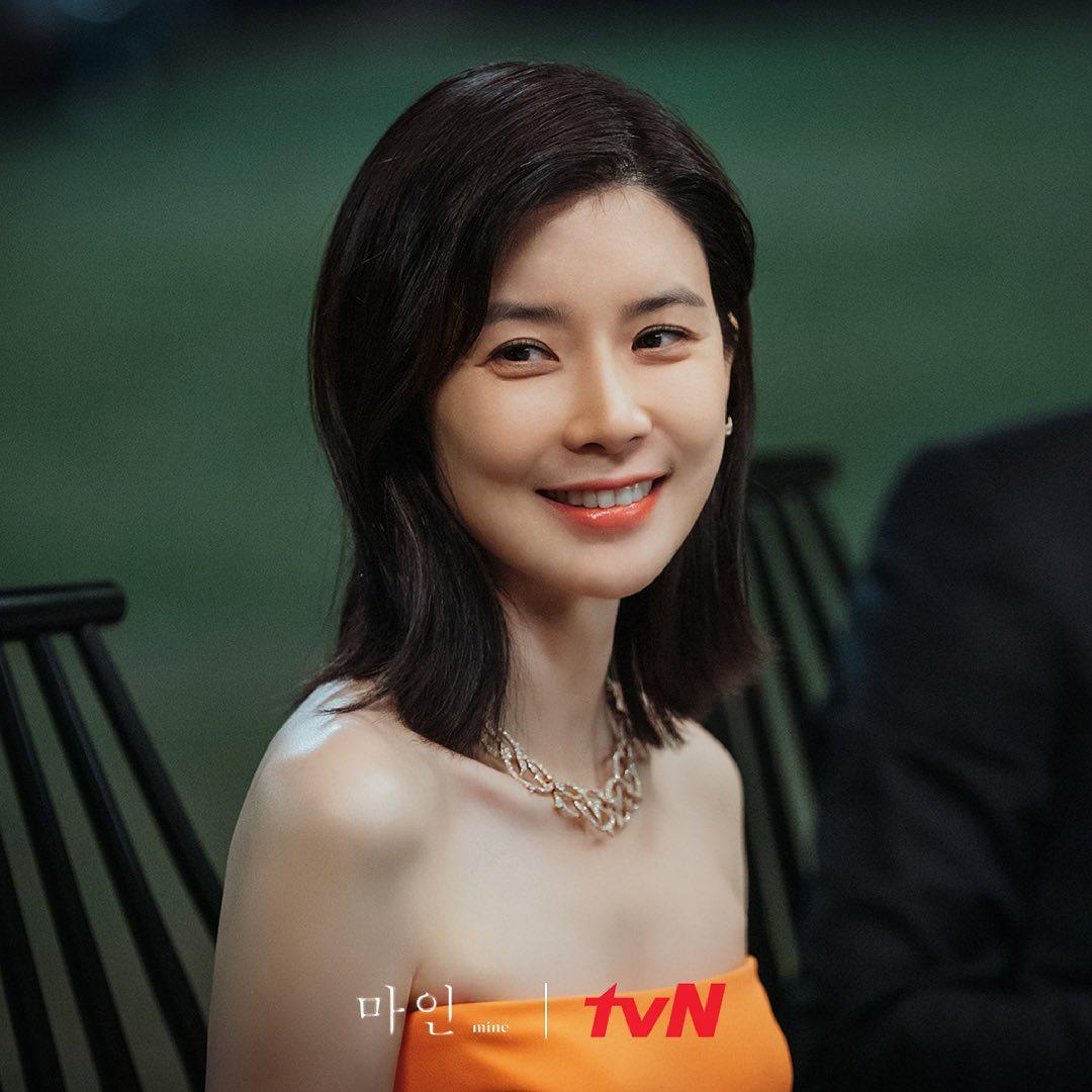 韓国ドラマ「mine」ファッション1